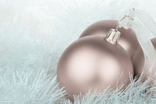 Free Cool Colored Christmas Baubles And Garland Royalty Free Stock Photography - 6687517
