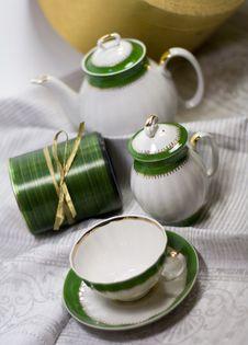 Free White With Green Tea Service Royalty Free Stock Photo - 6689685