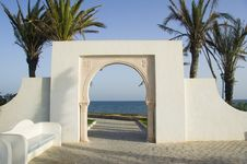 Free White Islam Gate Over Blue Sea Royalty Free Stock Image - 6690796