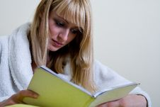 Free Beautiful Girl Reading A Book Royalty Free Stock Photos - 6691398