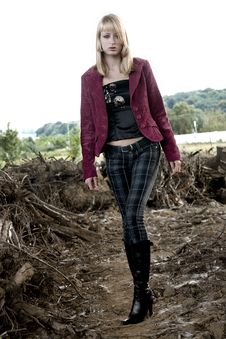 Free Beautiful Girl Walking Towards You Stock Image - 6692231