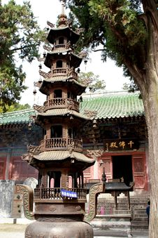 Free Chinese Temple Royalty Free Stock Photos - 6693688