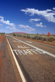 Free All Traffic To Uluru Road Markings Royalty Free Stock Photo - 6695055