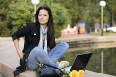 Free Girl With Laptop In Park Royalty Free Stock Photos - 6696948