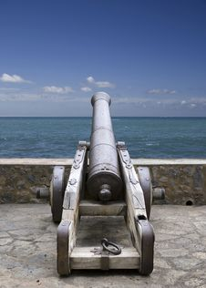 Free Old Cannon Royalty Free Stock Image - 6697886