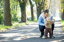 Free Father Son Outdoor Park Autumn Stock Image - 6699941