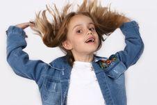 Free Posing Young Girl Stock Photo - 671440