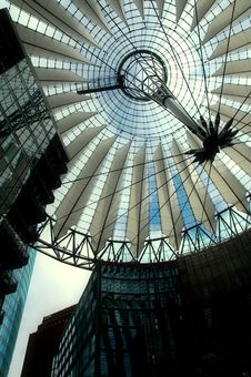 Free Sony Center In Berlin Royalty Free Stock Photos - 672028