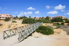 Free Wooden Walkway On Sandy Beach In Spain Royalty Free Stock Images - 673169