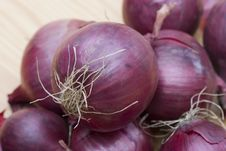 Free Red Onions Royalty Free Stock Photo - 676445