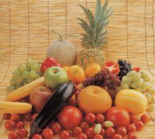 Free Fresh Fruit Stock Photos - 677163