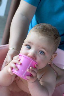 Free Baby Bath2 Royalty Free Stock Photos - 679308