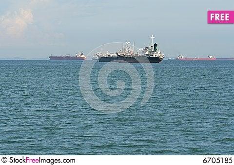 Free Cargo Ship Royalty Free Stock Photo - 6705185