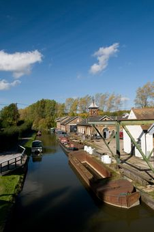 Free Former British Waterways Workshop On Canal Stock Photography - 6700522