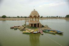 Free Lake In Jaisalmer Royalty Free Stock Photo - 6701365