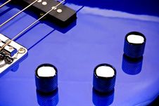 Free Bass Guitar Volume And Tone Knobs Royalty Free Stock Photography - 6702247