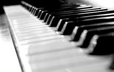 Free Old Piano Stock Photo - 6702660