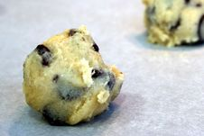 Free Chocolate Chip Cookie Dough Royalty Free Stock Photo - 6703945