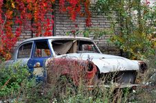 Free Old Car Stock Images - 6705344