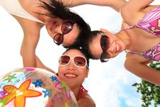 Free Asian Girls Have Fun Under The Sun Royalty Free Stock Images - 6709559