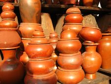 Free Earthen Pots Royalty Free Stock Images - 6710549