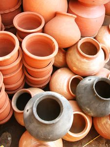 Free Earthen Pots Stock Image - 6710731