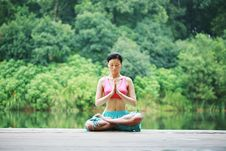 Free Young Chinese Woman Practicing Yoga Outdoor Royalty Free Stock Photos - 6711968