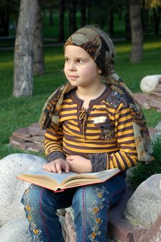 Free Girl Reading A Book Stock Photo - 6712900