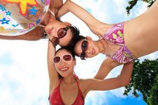 Free Asian Girls Have Fun Under The Sun Royalty Free Stock Photography - 6716157