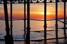Free Pier Sunset Royalty Free Stock Photos - 6716158