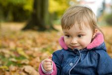 Free Baby Girl In Park Royalty Free Stock Photos - 6718218