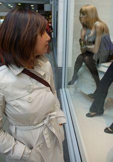 Free Window Shopping Stock Photography - 6718432