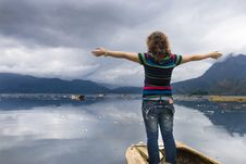 Free Girl And Lake Royalty Free Stock Images - 6720019