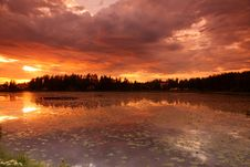 Free Lake At Sunset Royalty Free Stock Photography - 6720157