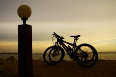 Free Bicycle And Sunset Stock Image - 6722451