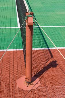 Free Tennis Court With A Net Royalty Free Stock Photography - 6722677