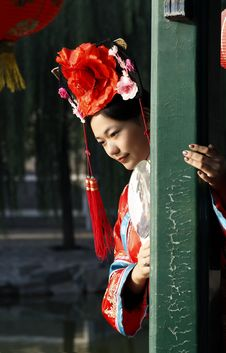 Free Chinese Girl In Ancient Dress Royalty Free Stock Photography - 6723657
