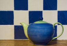 Free Cheery Teapot Stock Photography - 6723852