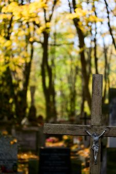 Free Cross On Cementery Royalty Free Stock Photo - 6724255