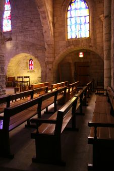 Free Benches Inside A Church Royalty Free Stock Images - 6724629