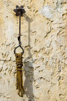 Free Hanging Rope Stock Photos - 6725393