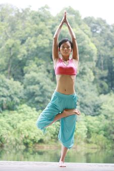 Free Young Chinese Woman Practicing Yoga Outdoor Royalty Free Stock Image - 6726366