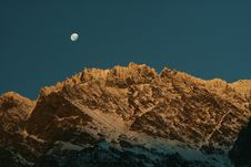 Free Moonrise Over The Remarkale Mountains Stock Photos - 6726773