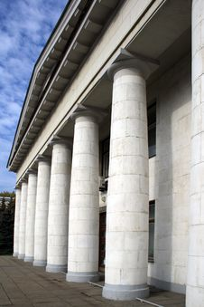 Free Building With Columns Stock Photo - 6730000