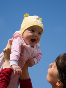 Free Baby With Mom Stock Images - 6730904