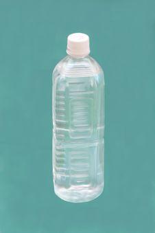 Free Water Bottle Royalty Free Stock Photo - 6736175