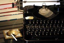 Free Antique Typewriter Royalty Free Stock Image - 6739246