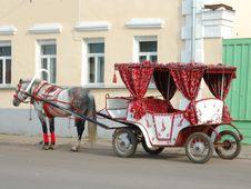 Free Horse And Carriage Royalty Free Stock Photo - 6744225
