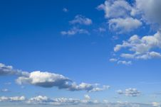 Free Fluffy Clouds Royalty Free Stock Photo - 6744395