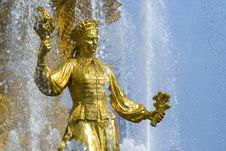 Free Shining Fountain Royalty Free Stock Photos - 6744508